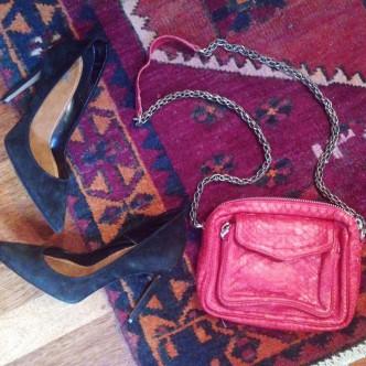 Le Charly rouge prêt à sortir en escarpins !